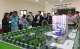 Khai trương nhà mẫu Minh Quốc Plaza