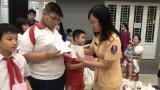 Phòng Cảnh sát giao thông Công an tỉnh: Trao 89 phần quà cho trẻ hoàn cảnh khó khăn nhân Ngày Quốc tế Thiếu nhi 1-6