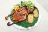 榴莲烤鸡:拉条土地的特色美食