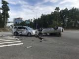 Hai ô tô 7 chỗ lao vào nhau, nhiều người bị thương