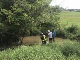 Hơn 60 người tham gia tìm kiếm cháu bé 4 tuổi mất tích sau cơn mưa
