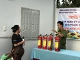 Đoàn cơ sở phòng Cảnh sát PCCC và CNCH Công an tỉnh Bình Dương: Tuyên truyền kiến thức PCCC cho thanh niên công nhân phường Phú Hòa, TP.Thủ Dầu Một