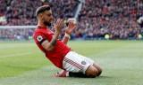Fernandes khóc khi được Man Utd liên hệ