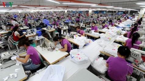 Thực thi EVFTA: Bài toán nguồn nguyên liệu cho dệt may, da giày