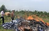 Tiêu hủy hàng ngàn bao thuốc lá lậu trong vụ án vận chuyển hàng cấm