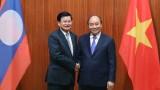 越南政府总理阮春福与老挝政府总理通伦·西苏里举行会谈