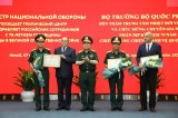 Defence minister visits Vietnam-Russia Tropical Centre