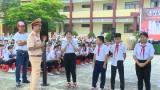Ngày hội an toàn giao thông trường học lần 10: Trao tặng 600 mũ bảo hiểm cho các em học sinh