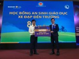 Công ty Bảo Việt Nhân thọ Bình Dương: Trao học bổng cho học sinh có hoàn cảnh khó khăn