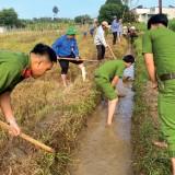 Đoàn thanh niên công an Tx.Tân Uyên: Hăng hái tham gia tình nguyện, dân vận khéo