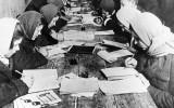 Đảng Bolshevik cải cách chính tả tiếng Nga thế nào sau khi nắm quyền?