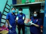 Đoàn Thanh niên Phú Lợi, TP.Thủ Dầu Một: Hướng dẫn người dân cài ứng dụng Bluezone