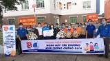 Tuổi trẻ Bình Dương tặng quà cho các cơ sở cách ly phòng chống Covid19