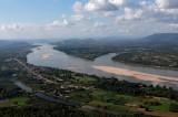 Giữa mùa mưa, sông Mê Kông thiếu nước nghiêm trọng