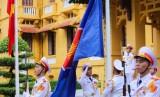越南外交部举行东盟会旗升旗仪式 庆祝东盟成立53周年