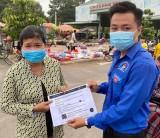 Xã đoàn Long Tân, huyện Dầu Tiếng: Phát khẩu trang miễn phí cho người dân