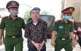 Đâm thủng tim đồng nghiệp, bảo vệ công ty lãnh 17 năm tù