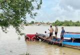 """Trục vớt phương tiện liên quan đến vụ """"cát tặc"""" trên sông Đồng Nai"""