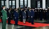 许多国家和国际组织致电慰问 派团前来吊唁原越共中央总书记黎可漂逝世