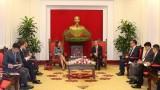 越共中央经济部部长阮文平会见澳大利亚驻越大使罗宾·穆迪