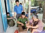 Cấp đổi chứng minh nhân dân cho người già yếu, gia đình chính sách