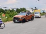 Va chạm giữa 2 ô tô, xe tải văng xuống mương, xe bán tải bị rụng bánh