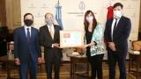 阿根廷国会接受越南国会的礼物