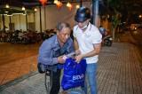 Đoàn cơ sở BIDV Bình Dương: Phối hợp trao tặng nhiều phần quà cho người khó khăn
