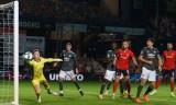 Man Utd thắng trận đầu tiên mùa mới