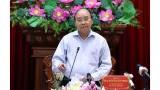 越南政府总理阮春福:决不让任何一户家庭因干旱和海水入侵而缺乏生活用水