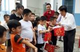 1000多份中秋礼物送给家境困难的残疾儿童