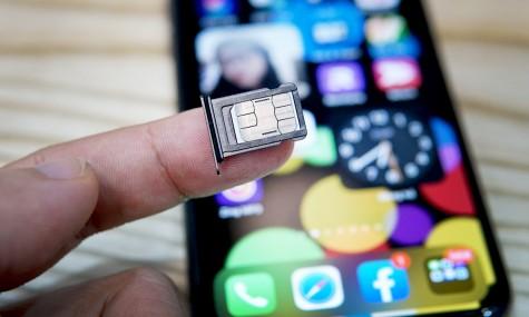 Người dùng iPhone phải thay sim vì iOS 14