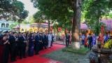 纪念升龙-河内建都1010周年:河内市领导代表团敬香各前朝的皇帝和拜谒胡志明主席陵