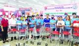 Tiếp tục vận động công nhân lao động dùng hàng Việt