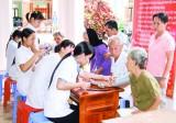 Hỗ trợ chi phí khám, chữa bệnh cho người nghèo: Hiệu quả thiết  thực từ nhiều phía