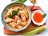 Chân gà chua cay kiểu Thái