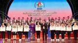 国会主席阮氏金银出席全国胡伯伯好孩子表彰大会