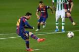 Messi ghi cú đúp dù đá dự bị