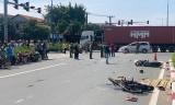 Chạy xe máy không chấp hành đèn tín hiệu, khiến 3 người chết