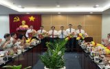 Binh Duong provincial Party Committee awards decisions on staffing