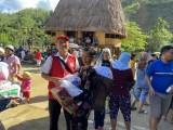 Thăm, tặng 650 phần quà hỗ trợ người dân bị ảnh hưởng do bão số 13
