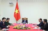 Thủ tướng Nguyễn Xuân Phúc hội đàm trực tuyến với Thủ tướng Hun Sen