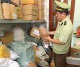 Phát hiện hơn 1.300 kg thực phẩm khô không rõ nguồn gốc