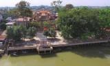 Ngôi chùa cổ bên sông Đồng Nai