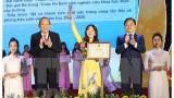张和平常务副总理:凝聚大学生智慧和先锋力量