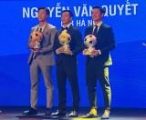 Văn Quyết nhận danh hiệu Quả bóng vàng Việt Nam 2020