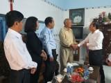 平阳省领导看望慰问土龙木市的抚家家庭和困难户