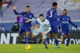 Leicester tái chiếm ngôi đầu