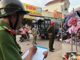 """Phường Thuận Giao, TP.Thuận An: Ra quân xóa """"chợ"""" dưới đường"""