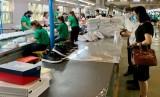 工贸部门为发展目标而度过困难、努力奋斗
